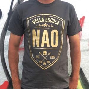 NAO - Escudo dourado